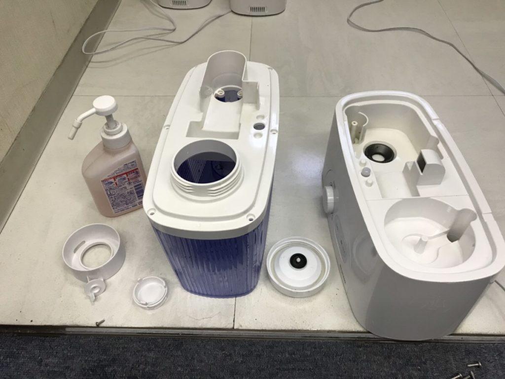 加湿器もアルコール除菌しています。