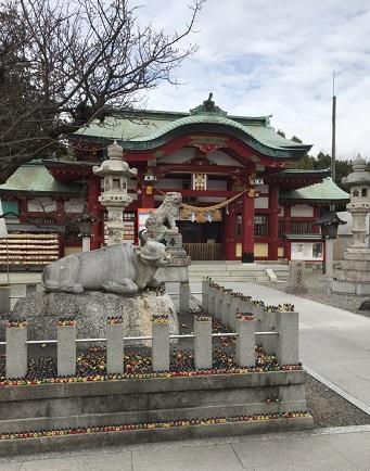 海津校です。海津校中3全員合格のため、名古屋上野天満宮に行ってきました(世一)