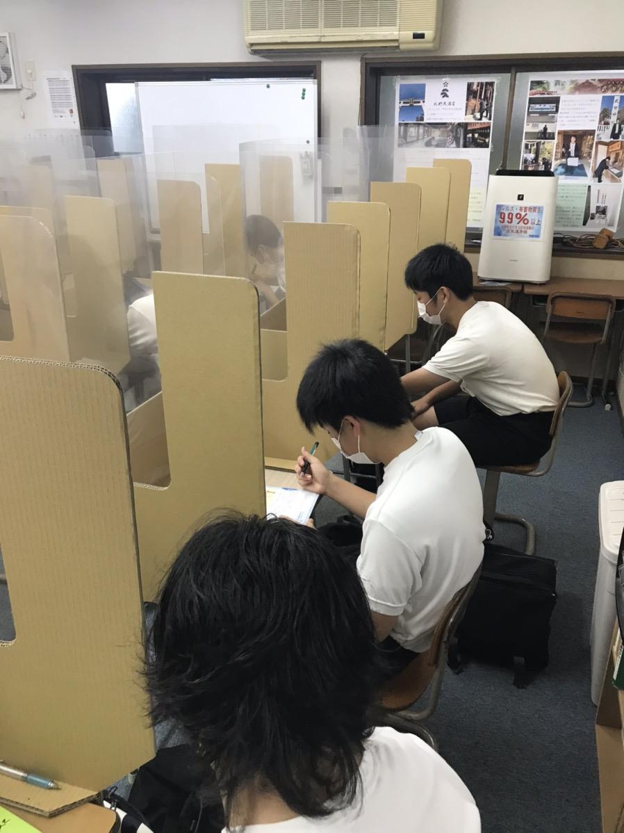 養老町の高田校です。早朝勉強会を行いました。さあ、みんな頑張って来てね!