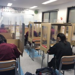 養老町の東部校、テスト当日朝から最終確認をしました!(畑野)