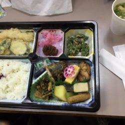 養老町の高田校です。2日目のお昼休憩です。