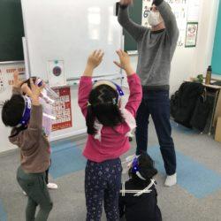 学習と感染予防の両立(英会話海津校)